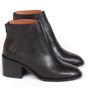 Killer Black Ankle Boots // Jeffrey Campbell